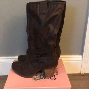 Crown Vintage Brown Boots